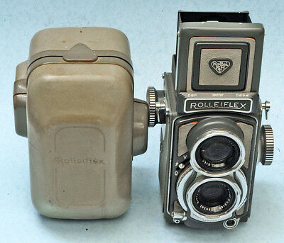 Grey Baby Rolleiflex, looks great, comes with the case, sold as is.