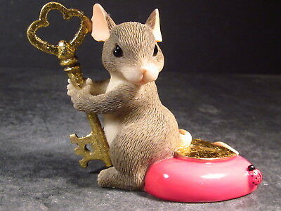 Charming Tails 97/18 YOU HOLD THE KEY TO MY HEART Mouse