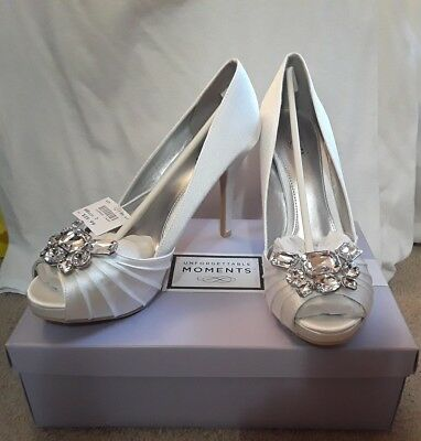 New Unforgettable Moments Women's White Bridal/Wedding/Prom Shoes w/Jewels. SZ 7