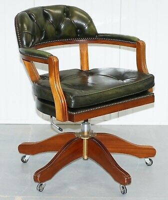 Lovely Cushioned Chesterfield Admirals Court Captains Aged Green Leather Chair