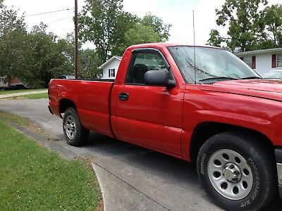 2005 Chevrolet Silverado 1500 red 2005 chevy silverado long bed V -6 tec auto, low miles