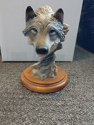 """MILL CREEK STUDIOS  """"BEFORE THE CHASE"""" WOLF Sculpture by Randall Reading"""