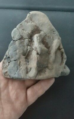upper palaeolithic/ mesolithic portable rock art ironstone pottery.