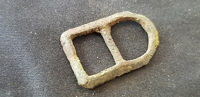 Lovely Post medieval copper alloy buckle found at Marston Moor battle area L76p