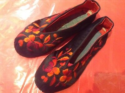 Antique Chinese Wedding Slippers Vintage Silk Hand Embroidered Ethnic Costume