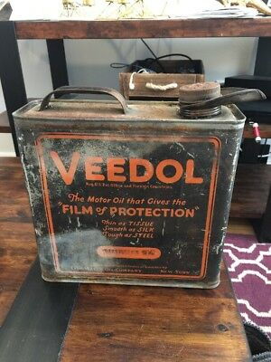 1920's Veedol 1 Gallon Oil Can Transmission Gear