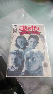 buffy the vampire slayer comic NO 15 EXCLUSIVE RED FOIL0302/3000 DYNAMIC FORCES