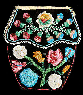 Mid-19th Century Iroquois Indian Beaded Floral Bag
