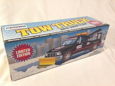 Crown 1997 Tow Truck with Snow Plow Battery Powered - New & Mint Condition