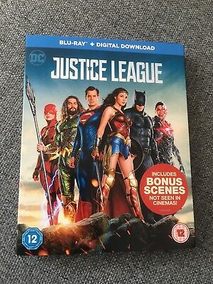 DC JUSTICE LEAGUE BLU RAY + digital download. Excellent condition