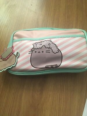 Pusheen the Cat Cosmetic Bath Shower Wash Bag Stormy Cosmetics Make Up Case