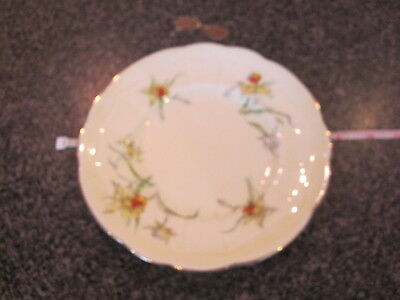 CROWN STAFFORDSHIRE LUNCH PLATE YELLOW DAFFODIL w/ GOLD TRIM d