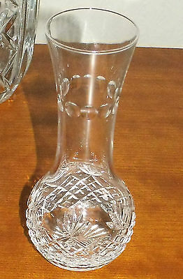 BEAUTIFUL CRYSTAL GLASS 6 1/2in VASE