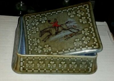 Vintage Wade Co Armagh Irish Porcelain Trinket/Cigarette Box Shamrock Fox Hunter