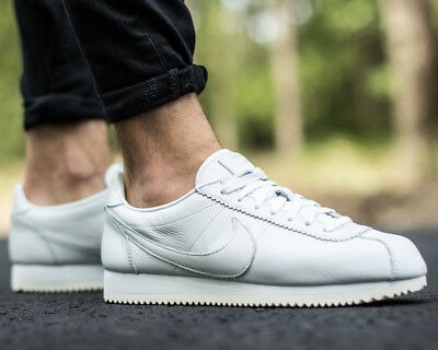 clearance sale half price low price timeless design 37da1 3c53b new hommes nike off classic cortez ...