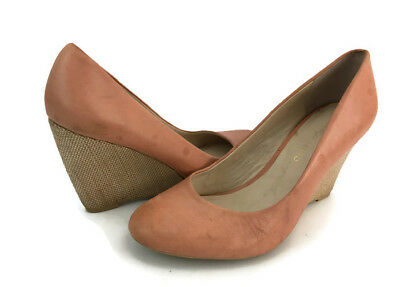 ec1ca5326d67 FRANCO SARTO HELIO Women s Peach Leather Wedge Heel Pumps Size US 8 M -   24.49