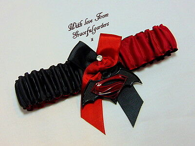 Superman vs Batman Bridal Wedding Garter. superhero.marvel