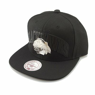 Mitchell & Ness Chicago Blackhawks Silver Lux Arch Cap