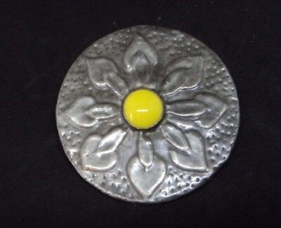 c.1970s RUSKIN STYLE PEWTER Bright Yellow Glass ROUND BROOCH Hammered