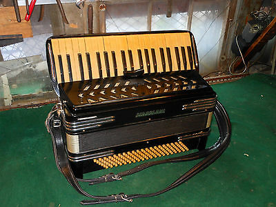 Vintage CINGOLANI ACCORDION Made In Italy w, master switch Full size