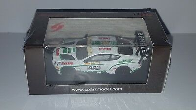 1/64 Spark Bentley Continental Gt3 N°88 Macau Gp Fia Gt World Cup 2015