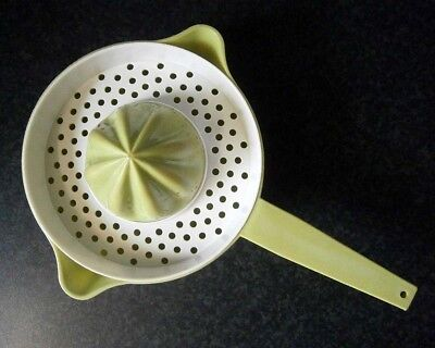 Vintage Decor Australian Plastic Avocado Green & White Florida Citrus Juicer