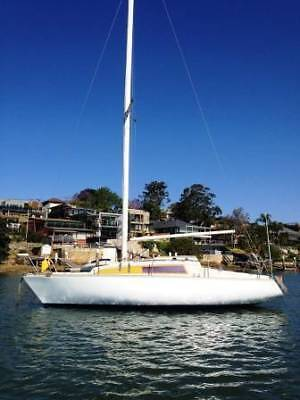 Sail/motor-Hutton 24 - 7.2 Metres Length + Private Mooring Sydney Harbour