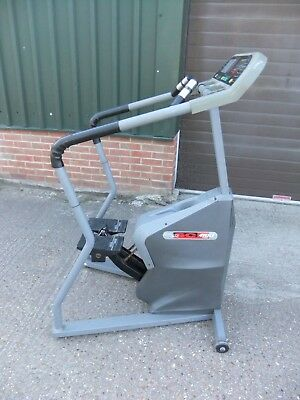 Star Trac 4100 commercial stepper self powered like Technogym Life Fitness 95SI