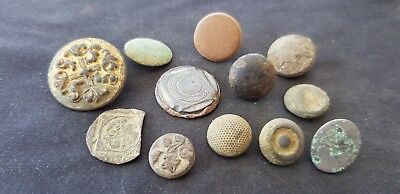 Supurb lot of Post Medieval to 1800 hundred button Please Read Description L1q