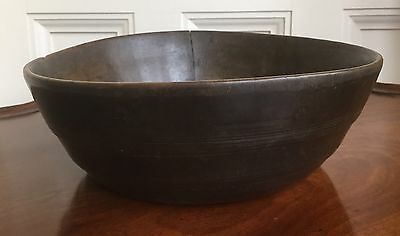A Charming Turned Wood Bowl, 18th Or Early 19th Century. Country House Kitchen.