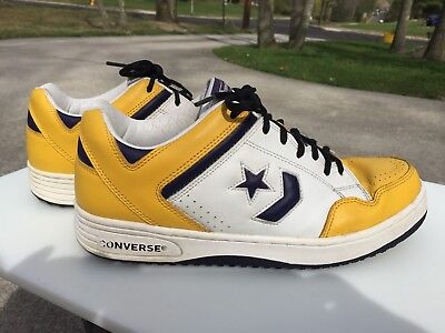6f32a60f96ae CONVERSE WEAPON SHOES LAKERS MAGIC JOHNSON Size 11 Low. Nice Clean Shoes