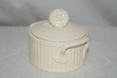 Leeds Creamware Covered pot and lid