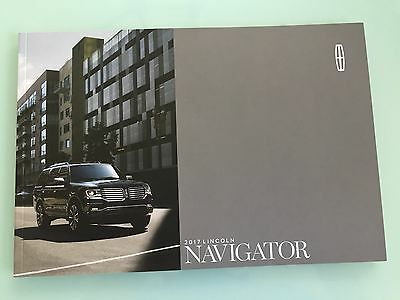 2017 Lincoln Navigator 28 Page Sales Brochure