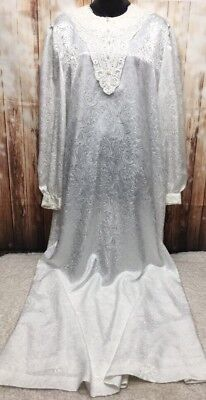 White Elegance Long Sleeves Lace Collar Pearls White Nightgown Large Vtg Pajamas
