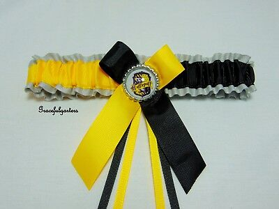 Hufflepuff Bridal Wedding garter. Harry potter.