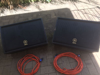 "Must Sell !! Pair of Yamaha R12M Foldback Wedges  Passive 12"" & Horn 400W RMS"
