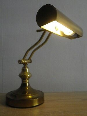 ancienne lampe de bureau en laiton style notaire eur 30 00 picclick fr. Black Bedroom Furniture Sets. Home Design Ideas