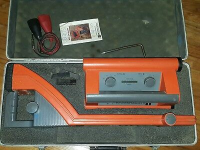 Metrotech 9860XT Pipe & Cable Locator w/ Case