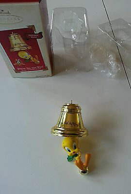 Hallmark Looney Tunes Twenty Jingle all the way singing Christmas ornament