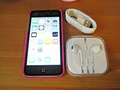 Apple iPod Touch 5th Generation 16GB A1509 Silver With Earbuds & Cable Bundle