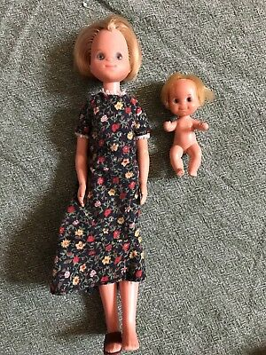 Mattel Vintage SUNSHINE FAMILY Dolls Mom Baby Barbie Lot