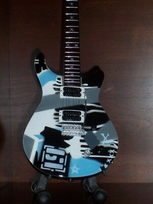 Mini Guitar LINKIN PARK MIKE SHINODA CHESTER GIFT Memorabilia FREE STAND