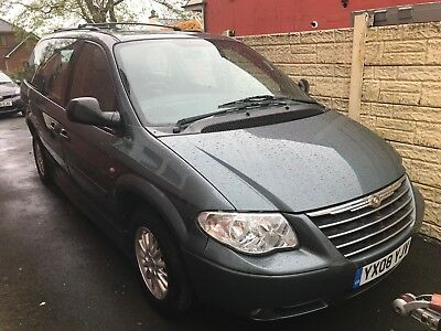 '08 Chrysler Grand Voyager 2.8 diesel upfront/drive from wheelchair. Low miles!