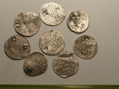 3120Lot of 8 ancient Islamic silver coins