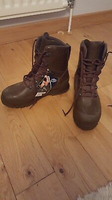 Haix Combat High Liability Gtx Waterproof Brown Boots Size 9. Brand New