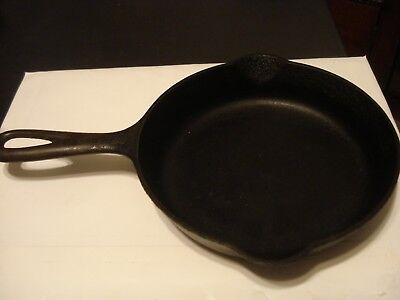 Vintage Griswold No. 3 Erie PA. 709 E Cast Iron 7 in. Skillet Seasoned No Rust