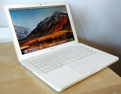 Apple Macbook laptop Model 7,1 (mid 2010)