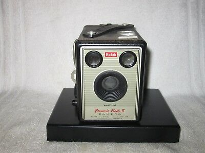 Vintage Brownie Flash II box camera, Australian made. 1950s
