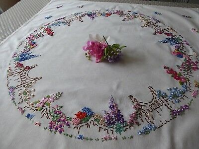 Vintage Hand Embroidered Tablecloth - Beautiful Flower Circle -Raised Embroidery