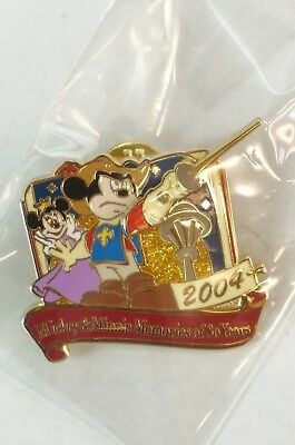 Disney Store JAPAN Pin LE 1000 Mickey Minnie Memories 80th 3 Musketeers 2004